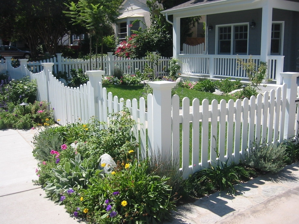 This Curved Picket Fence Mitigates Unwanted Views Of Cars That May with regard to Landscaping Ideas Front Yard English Garden