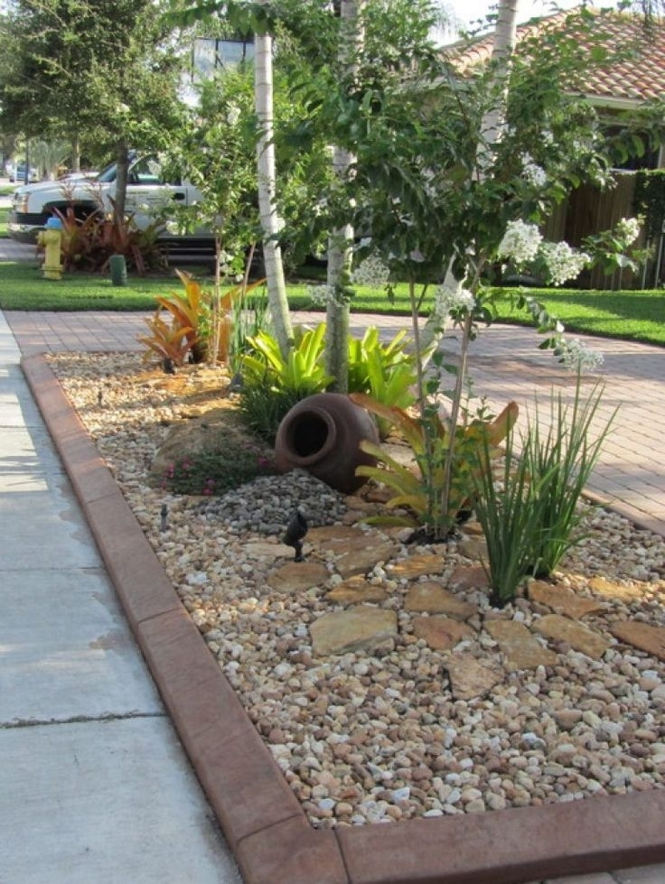 Top 25+ Best Small Front Yards Ideas On Pinterest   Small Front with Rock Garden Designs For Front Yards