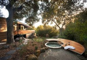22 Outdoor Living Spaces With Jacuzzi Tubs And Beautiful Yard in Small Backyard Landscaping Ideas Hot Tub