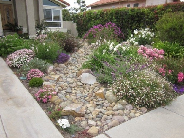 28 Beautiful Small Front Yard Garden Design Ideas - Style Motivation pertaining to Garden Design For Small Front Yard