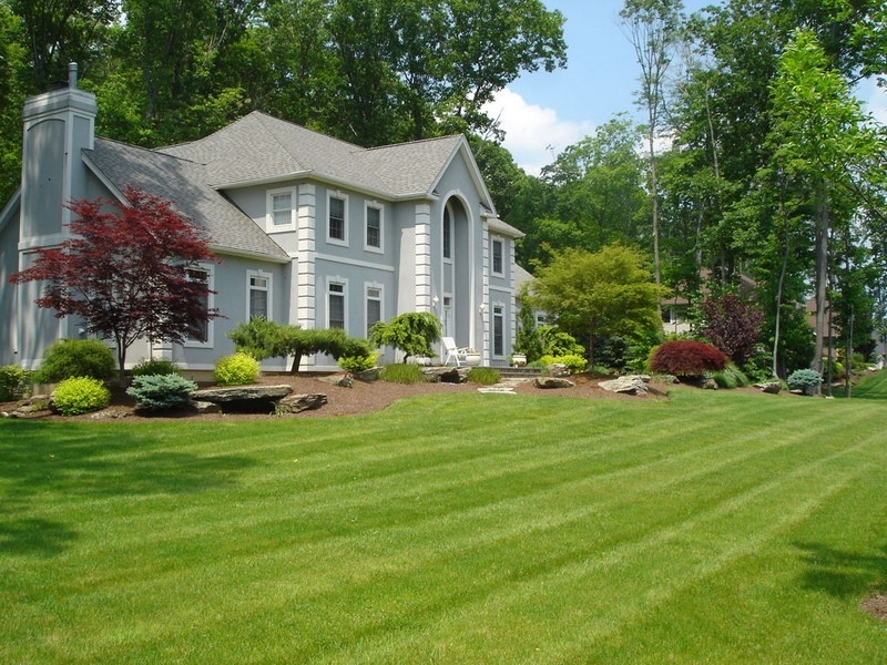 Beautiful Front Yard In Homes within Landscaping Ideas For Front Yard Rambler