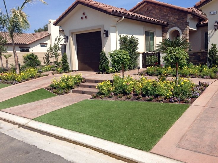 Landscaping Ideas For Small Rectangular Front Yard ... on Small Rectangular Backyard Ideas id=92196