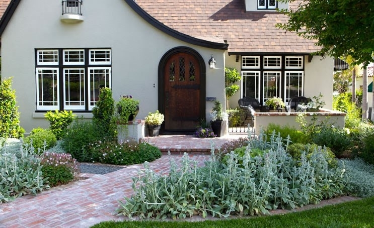Front Yard Landscaping Pictures - Gallery - Landscaping Network throughout Landscaping Ideas For Front Yard With Bricks
