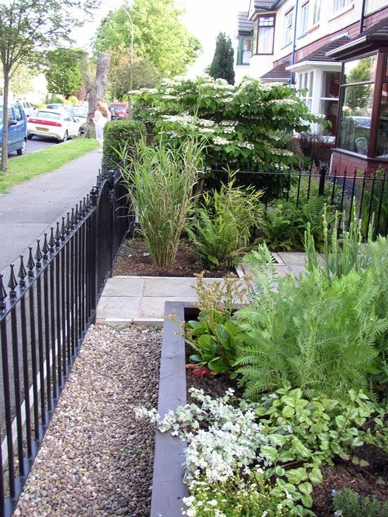 Small Front Garden Design Ideas | Completure.co in Garden Designs For Small Front Gardens