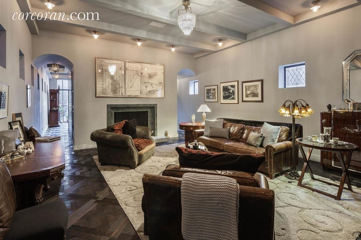 Taylor Swift's West Village Carriage House Asks $25M - Dailydeeds regarding Taylor Gardens Apartments