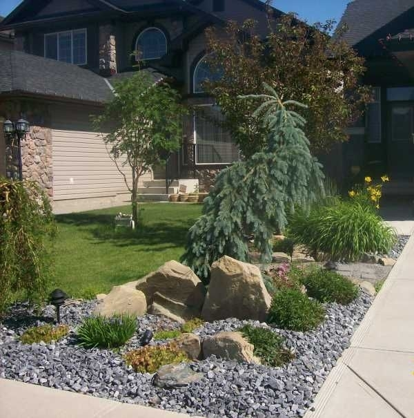 Top 25+ Best Small Front Yard Landscaping Ideas On Pinterest inside Landscaping Ideas For Small City Front Yards