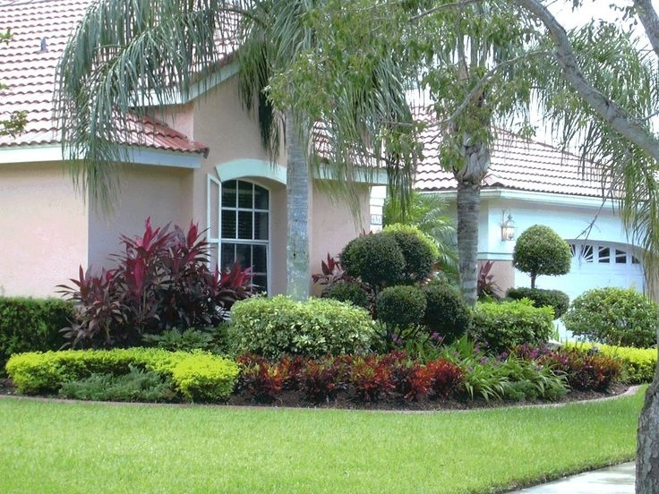 Top 25+ Best Small Front Yard Landscaping Ideas On Pinterest intended for Planting Ideas For Small Front Gardens