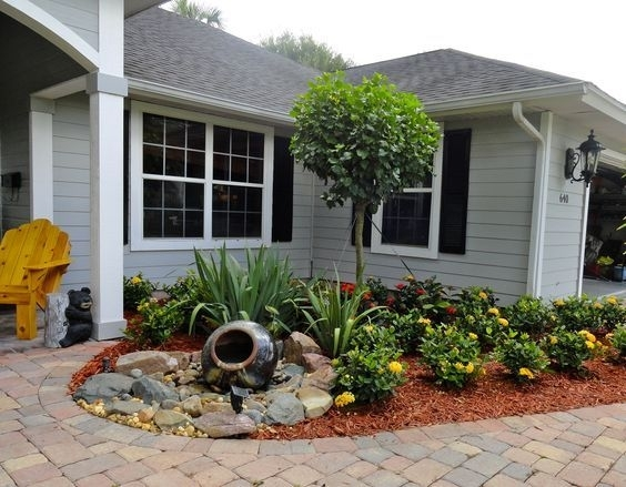 Top 25+ Best Small Front Yard Landscaping Ideas On Pinterest within Landscaping Ideas For A Small Front Garden
