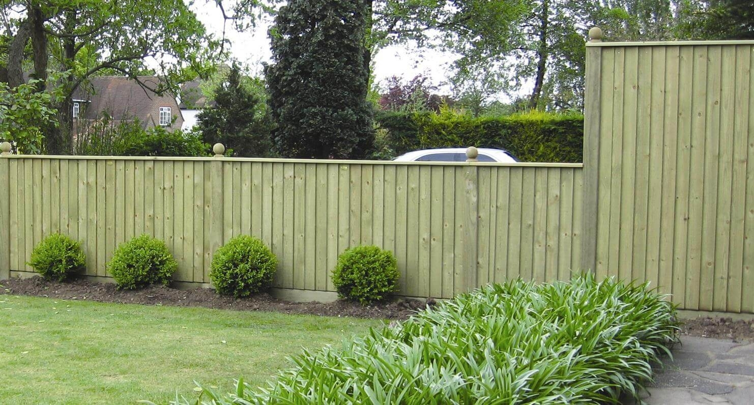 8 Amazing Budget Garden Fence Ideas - Gardening Flowers 101 in Backyard Garden With Fence