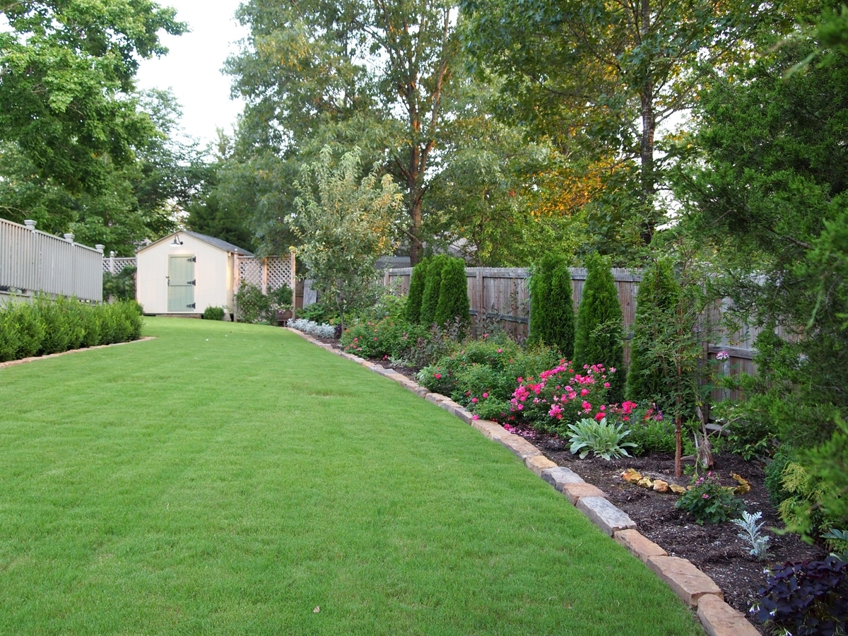 Landscaping Along Fence - House Of Paws throughout Backyard Garden Against Fence