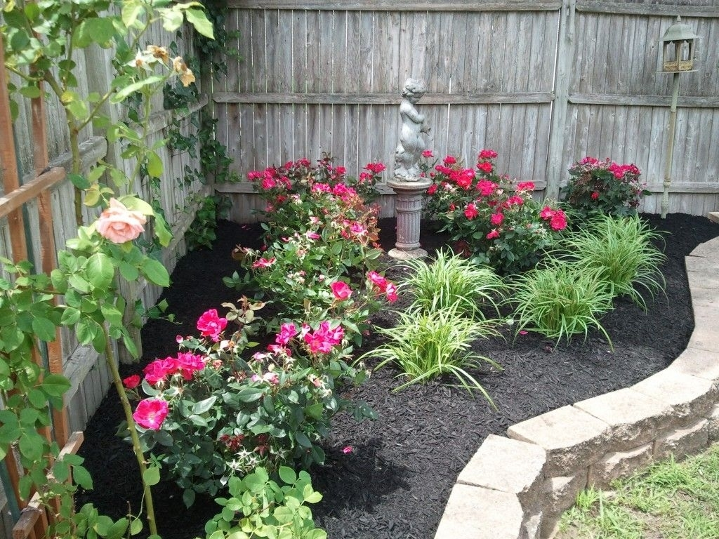 Landscaping With Roses Pictures - Wow - Image Results | Rose in Backyard Rose Garden Plans
