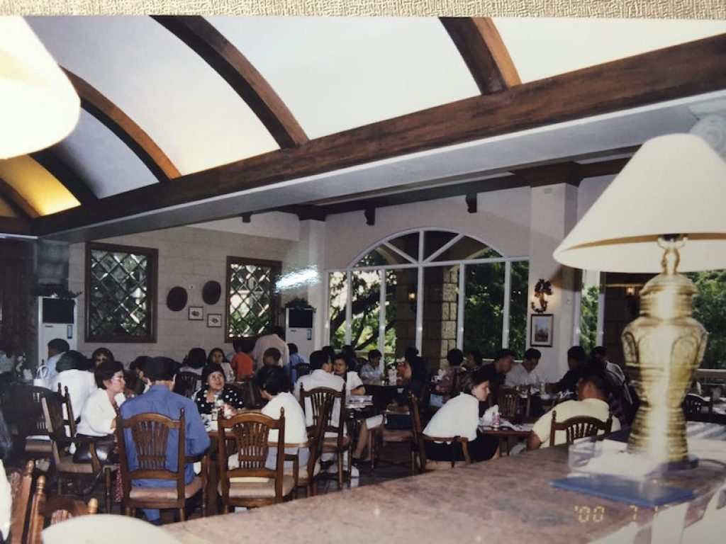 25 Things You Have To Know About Cafe Laguna - Escooped for Old House Garden Cafe Laguna