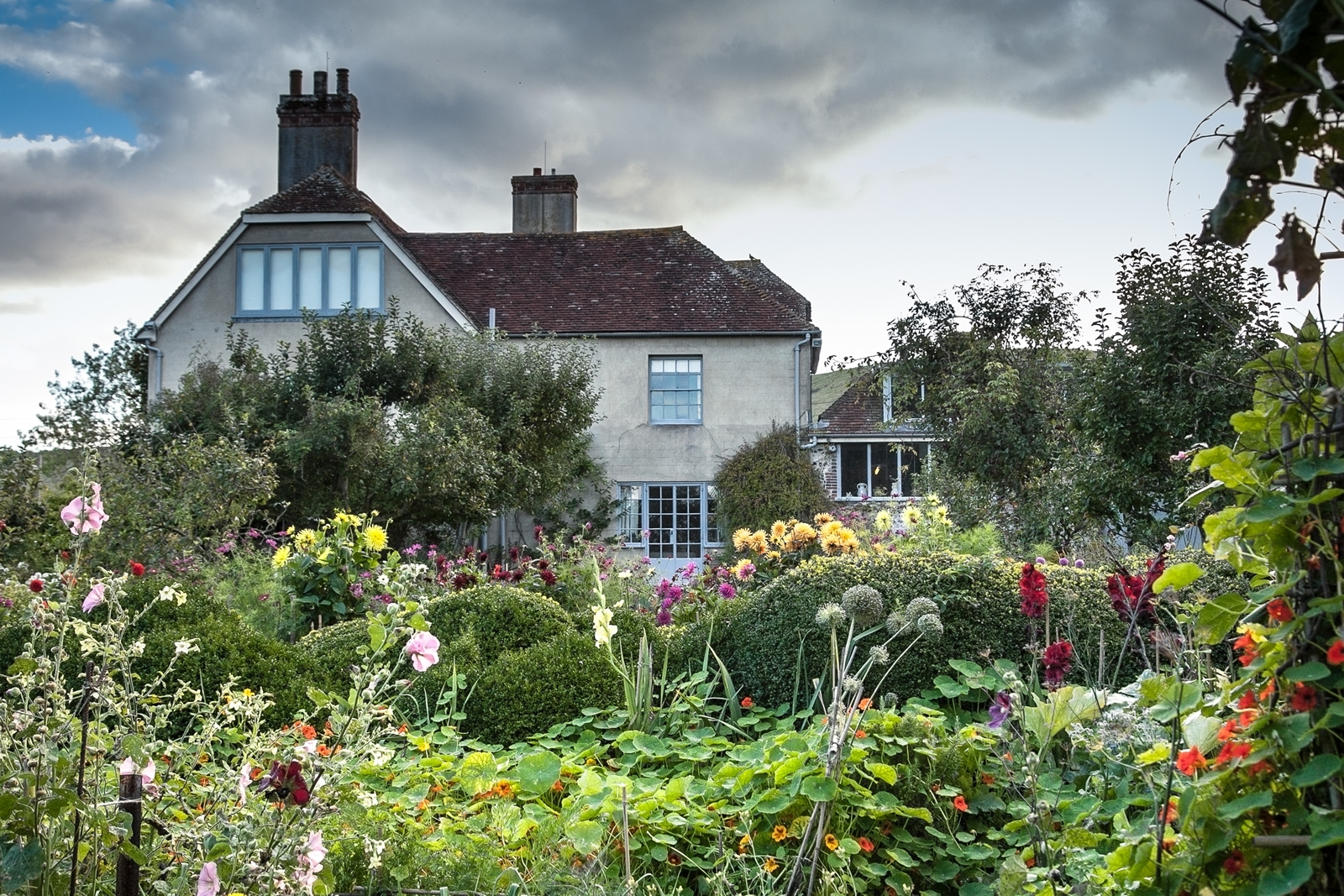 Charleston | Home Of The Bloomsbury Group In Sussex, Firle Near Lewes Uk in The Garden House Marple History