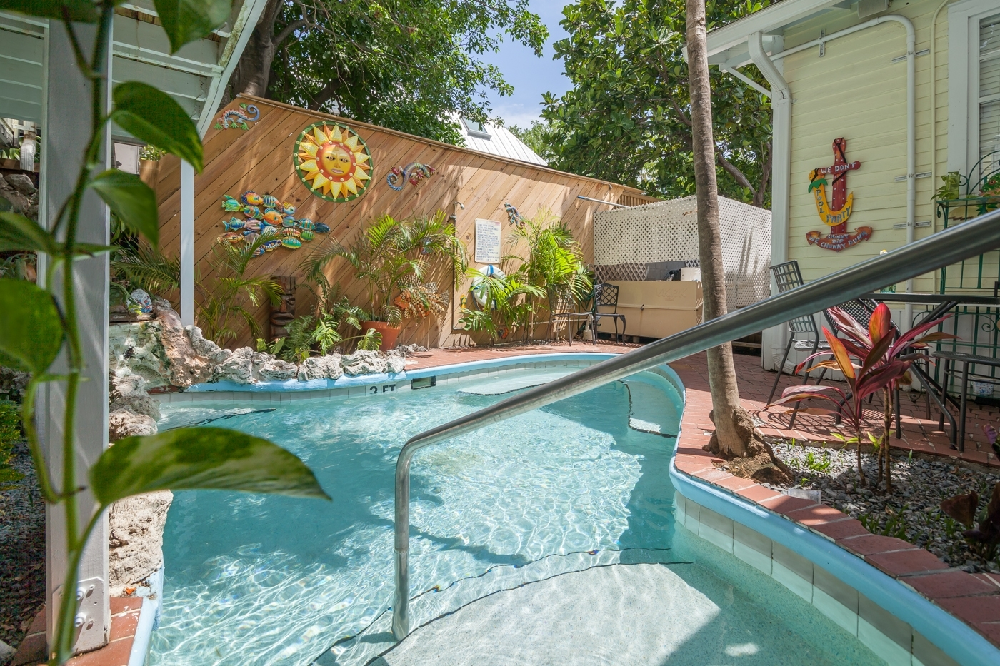 Home Design Ideas. Duval Gardens. Waterfall 4 Garden House Bed in Garden House Bed And Breakfast Key West Fl