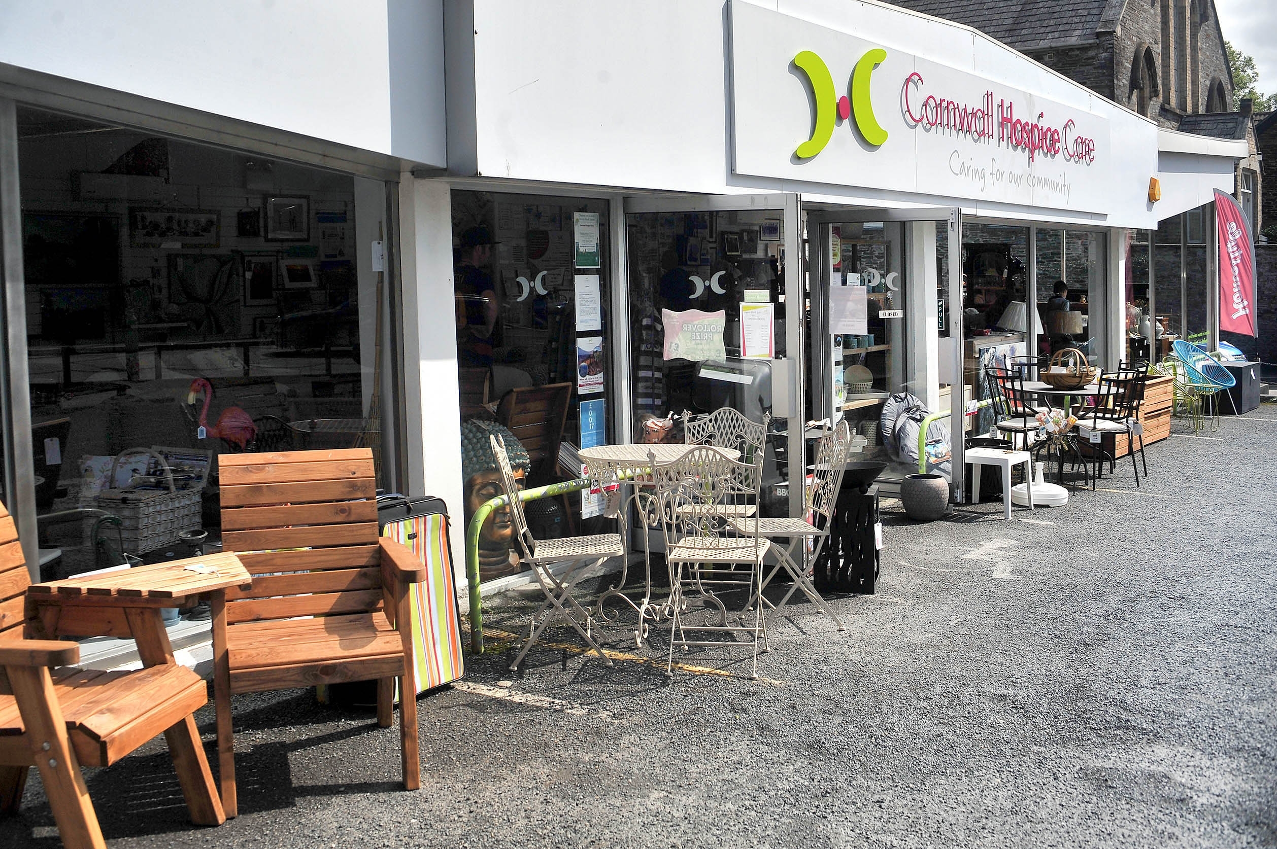 Wadebridge Homestyle with Garden House Hospice Furniture Donation