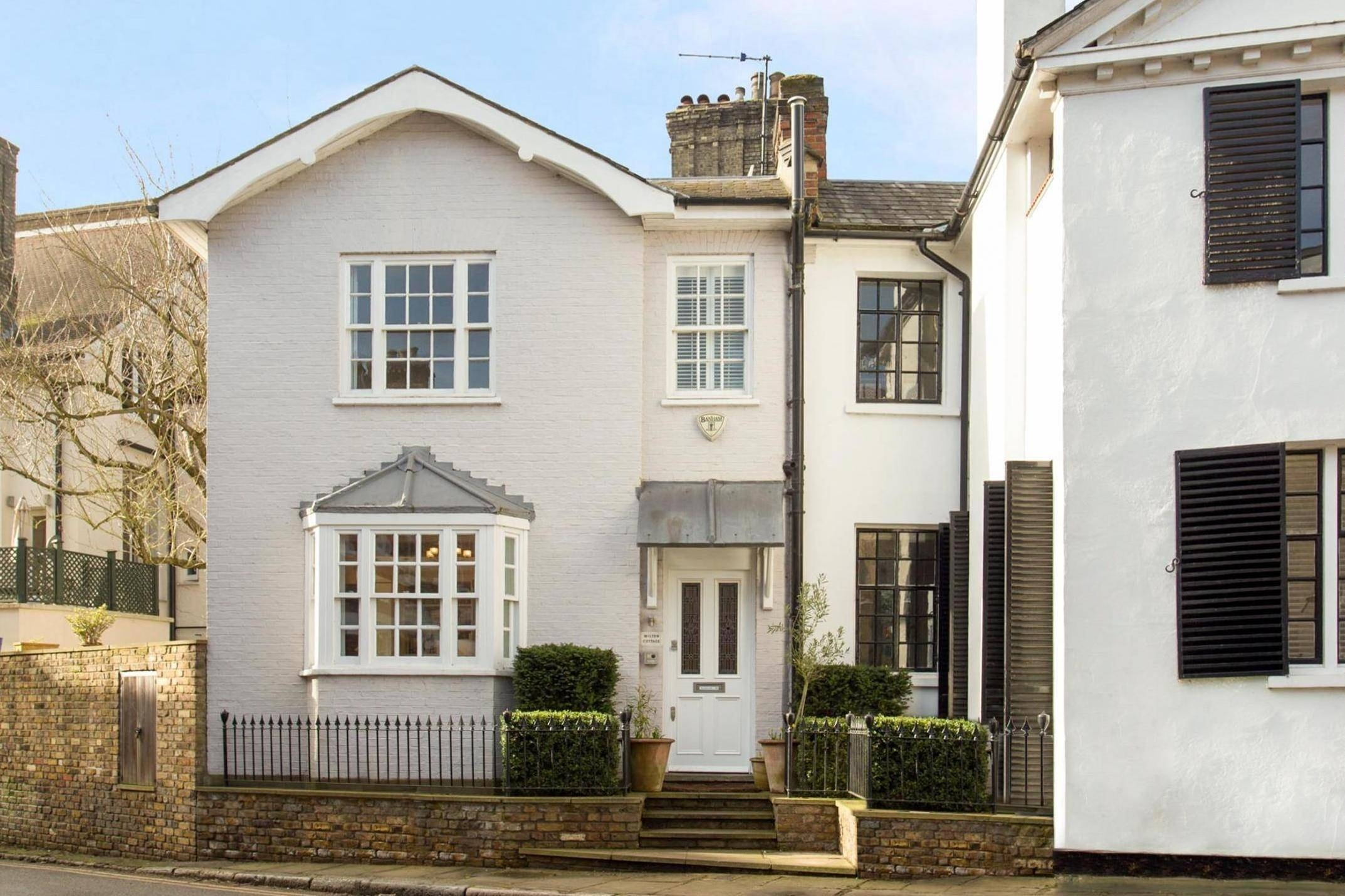 Liam Gallagher's Hampstead Oasis: Rocker's Former Vale Of Health with Garden House Vale Of Health