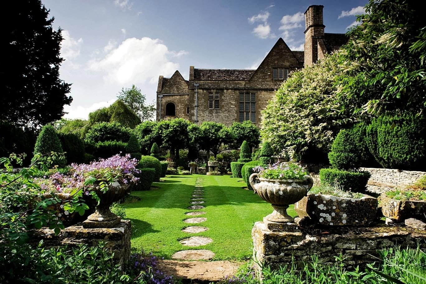 Modern Country Style: The English Country House Garden And Designing within English Country House Garden Design