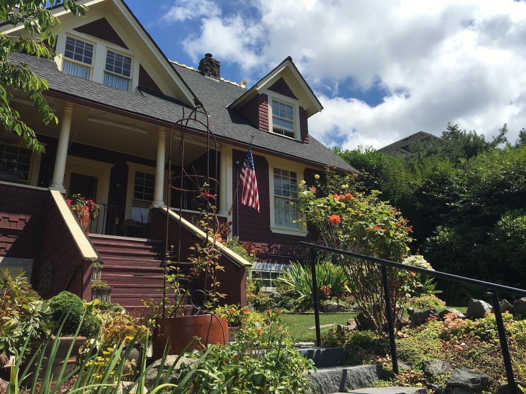 The Guest House, Bellingham, Wa - Booking for Garden Restaurant And Guest House Bellingham