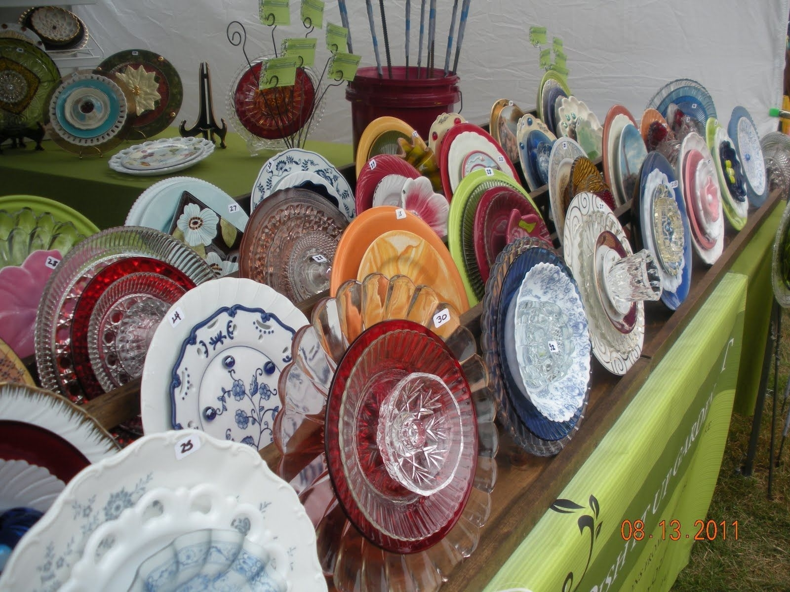 Garden Flowers Made Out Of Old Dishes | Loved These Glass Plate in Garden Flowers Made From Dishes