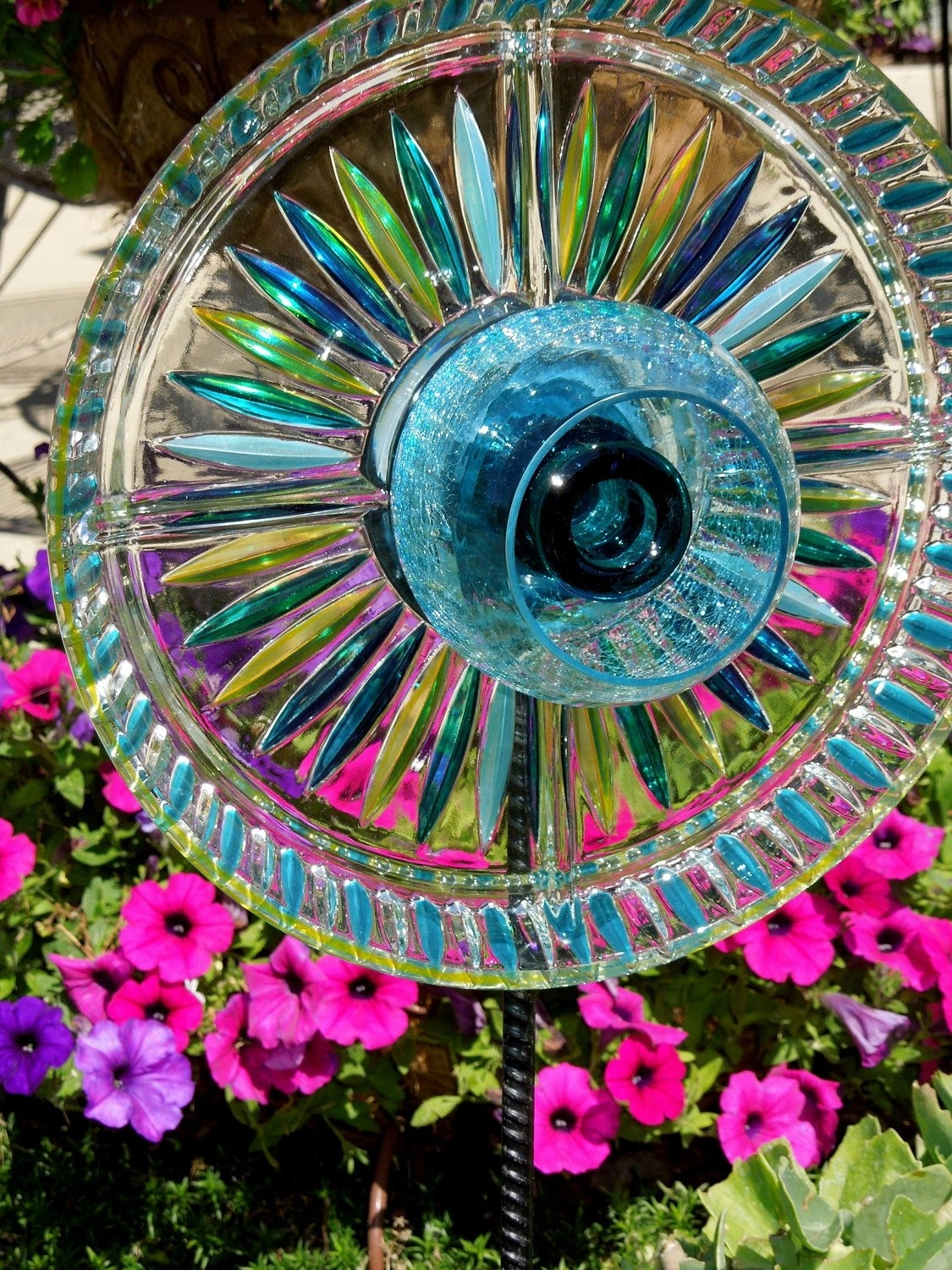 Garden Stakes Yard Sun Catcher Glass Plate Flower By  | Garden intended for Garden Flowers Made Out Of Plates